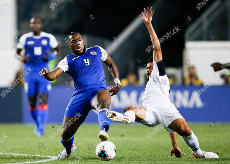 Haiti's Duckens Nazon (L) and Costa Rica's Giancarlo Gonzalez (R) battle for the ball during the first half of the CONCACAF Gold Cup group stage soccer match between Haiti and Costa Rica at Red Bull Stadium in Harrison, New Jersey, USA, 24 June 2019.