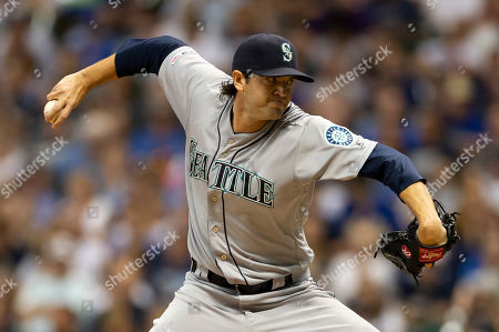 Stock Image of Seattle Mariners relief pitcher Cory Gearrin #35 delivers a pitch during the Major League Baseball game between the Milwaukee Brewers and the Seattle Mariners at Miller Park in Milwaukee, WI