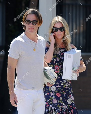 Stock Photo of Chris Pine and Annabelle Wallis