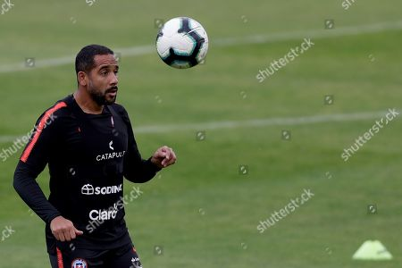 Chile's national soccer team player Jean Beausejour participates in a training session, in Sao Paulo, Brazil, 26 June 2019. Chile will face Colombia as part of Copa America 2019 quarters final on 28 June 2019.