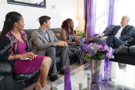 CO.- Detroit, MI: From left: Head of Detroit Philanthropy September Hangrove, CHN Housing Partners Executive Director Kevin Nowak, Detroit resident Trina Patterson, and JPMorgan Chase Chairman and CEO Jamie Dimon have an informal meeting in Patterson's living room on for the commemoration of JPMorgan Chase's $200 million investment in Detroit