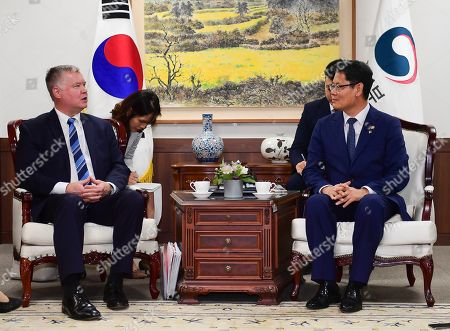 US Special Representative to North Korea Stephen Biegun (L) talks with South Korean unification minister Kim Yeon-chul (R) during their meeting at the Ministry of Unification in Seoul, South Korea, 28 June 2019. Biegun arrived in Seoul ahead of US President Donald J. Trump's trip to South Korea.