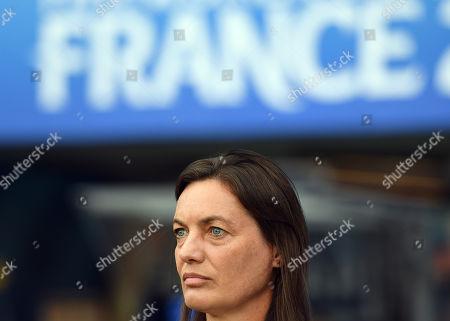 Head coach Corinne Diacre of France