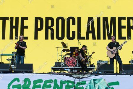 The Proclaimers performing on the Pyramid stage - Craig Reid, Charlie Reid