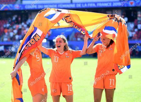Kika Van Es, Danielle Van De Donk and Lieke Martens of Netherlands celebrate at full time