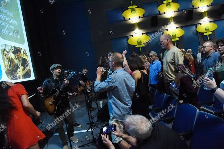 Stock Image of Fernando Perdomo, Jade Castrinos, Executive Producer/Singer/Songwriter Jakob Dylan and Echo In The Canyon Band