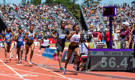 Stanford, CA : Chrishuna Williams and Caster Semenya lead the pack in the women's 800 Meters during the Nike Prefontaine Classic at Stanford University Palo Alto, CA. Thurman James / CSM
