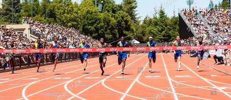 Stanford, CA : Christian Coleman in lane 5 wins the Men's 100 meter with a time of 9.81, Justin Gatlin in lane 4 takes 2nd with 9.87, Cravon Gillespie in lane 3 third place with 10.05 and Michael Rogers in lane 6 takes 4th place time of 10.08 during the Nike Prefontaine Classic at Stanford University Palo Alto, CA. Thurman James / CSM