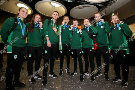 Kellie Harrington, Grainne Walsh, Michael Nevin, Kurt Walker, Regan Daly, Michaela Walsh, Sam Magee and Chloe Magee with their medals