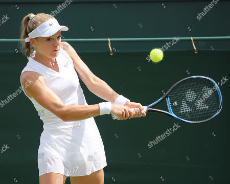 Katie Swan in action during a first round match