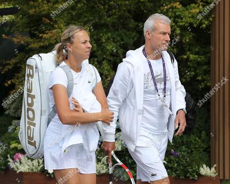 Anett Kontaveit and coach Nigel Sears