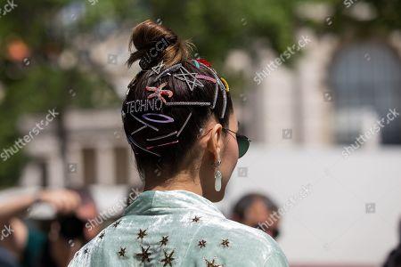 Araya A. Hargate, hair detail