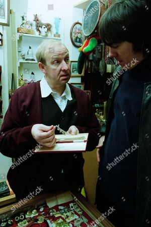 Ep 2884 Friday 30th March 2001 After Gloria leaves the pawnbrokers, Cain enters with the necklace he stole from her and is offered £35. With Alec Meades, as played by Colin Meredith, and Cain Dingle, as played by Jeff Hordley.