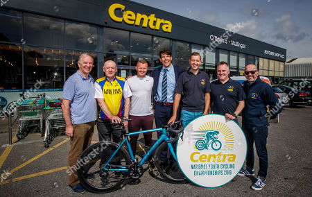Wheelie great news! Centra ambassador, Donncha O'Callaghan today launched the Centra National Youth Cycling Championships 2019 which takes place on 17th and 18th August in Mullingar. The event is expected to attract over 250 elite young cyclists between the ages of 11 to 16, who will compete to be named Irish Champion. Hosted by Lakeside Wheelers Cycling Club in association with O'Brien's Centra, the competition will see a superb weekend of racing from the best of Irish youths. . Pictured at the launch is Donncha O'Callaghan with from (L-R) Joe Duffy, Camillus Farrell, Irish cyclist Damien Shaw, Shay O'Toole, Henry Whitson and Eamon Hogan of Lakeside Wheelers Cycling Club