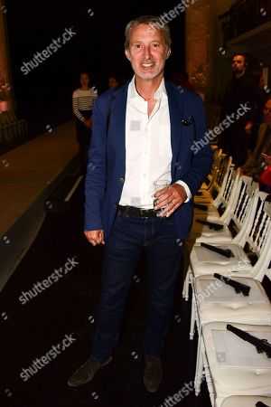 Antoine de Caunes in the front row