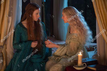 Daisy Ridley as Ophelia and Naomi Watts as Gertrude/Mechtild
