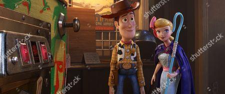Woody (Tom Hanks) and Bo Peep (Annie Potts)