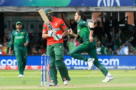 5 Wickets - Shaheen Afridi of Pakistan celebrates taking the wicket of Mohammad Mahmudullah Riyad of Bangladesh during the ICC Cricket World Cup 2019 match between Pakistan and Bangladesh at Lord's Cricket Ground, St John's Wood