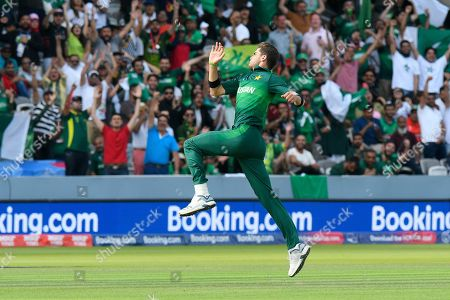 5 Wickets - Shaheen Afridi of Pakistan leaps in the air to celebrate taking the wicket of Mohammad Mahmudullah Riyad of Bangladesh during the ICC Cricket World Cup 2019 match between Pakistan and Bangladesh at Lord's Cricket Ground, St John's Wood