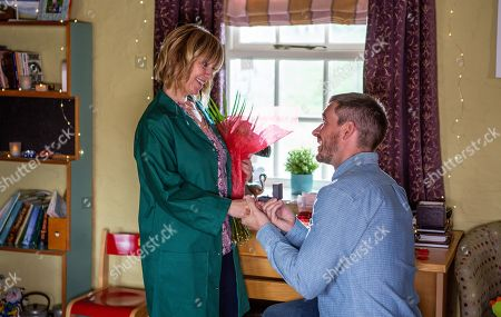 Ep 8538 Wednesday 17th July 2019 When Pete Barton, as played by Anthony Quinlan, makes a romantic surprise re-proposal at Smithy Cottage, Rhona Goskirk, as played by Zoe Henry, leads Pete upstairs to the bedroom for the first time since the accident.