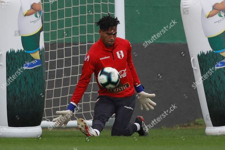 Peru's national soccer team goalkeeper Pedro Gallese in action during a training session in Rio de Janeiro, Brazil, 05 July 2019. Peru will face Chile in the final of Copa America tournament on 07 July.
