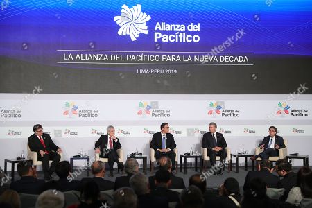 (L-R) Mexico's Foreign Minister Secretary Marcelo Ebrard, Chilean President Sebastian Pinera, Peruvian President Martin Vizcarra, Colombian President Ivan Duque and President of the Ibero American Development Bank Luis Alberto Moreno take part in a conference during the 5th Pacific Alliance Business Summit in Lima, Peru, 05 July 2019.