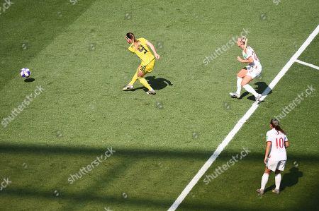 Kosovare Asllani of Sweden scores the 1st goal