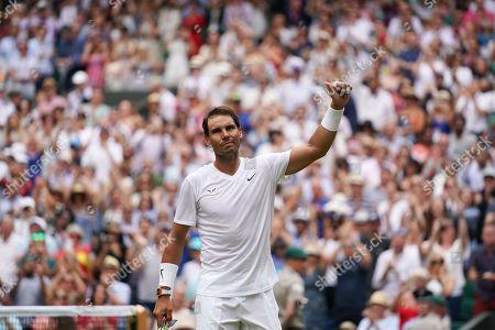 Rafael Nadal (ESP) celebrates after defeating Jo-Wilfred Tsonga (FRA)