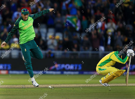 Chris Morris of South Africa celebrates at the end of the game