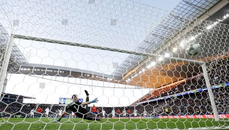 Argentina's goalkeeper Franco Armani fails to stop Chile's Arturo Vidal scoring from the penalty mark his side's first goal against Argentina during the Copa America third-place soccer match at the Arena Corinthians in Sao Paulo, Brazil