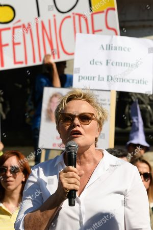 Muriel Robin.  People demonstrating against violences against women and demanding immediate measures and increased resources to fight against feminicide. Manifestation contre les feminicides. Paris, FRANCE-06/07/2019 //01JACQUESWITT_choix017/1907061915/Credit:Jacques Witt/SIPA/1907061919