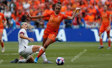 USA's Julie Ertz (L) in action against Lieke Martens of Netherlands  during the final match between USA and Netherlands at the FIFA Women's World Cup 2019 in Lyon, France, 07 July 2019.