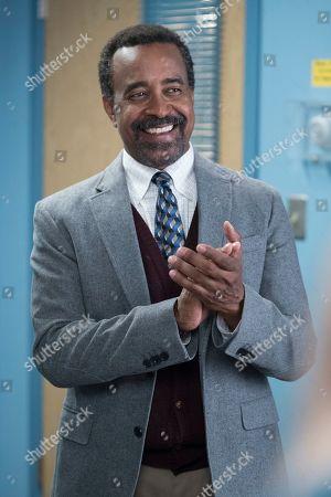 Tim Meadows as Principal John Glascott