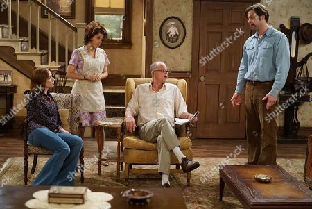 Ellie Kemper as Gloria, Marisa Tomei as Edith, Woody Harrelson as Archie and Ike Barinholtz as Mike
