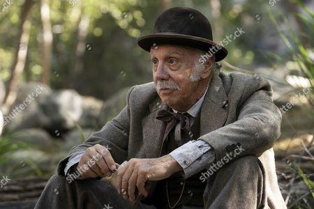 Dayton Callie as Charlie Utter