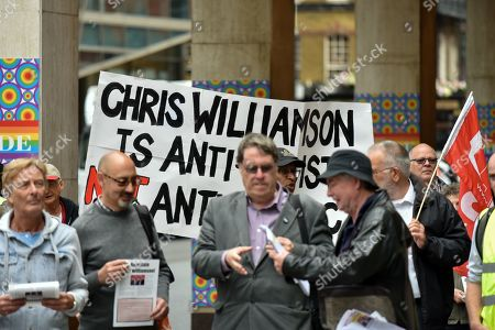 Supporters of Labour MP Chris Williamson lobby outside Labour HQ as the NEC discuss his case.