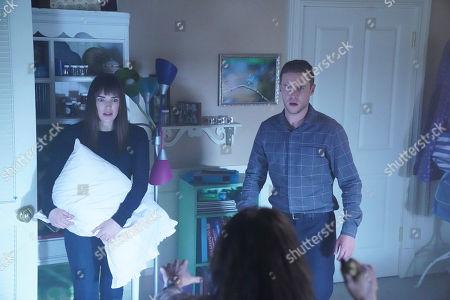 Elizabeth Henstridge as Jemma Simmons and Iain De Caestecker as Leo Fitz