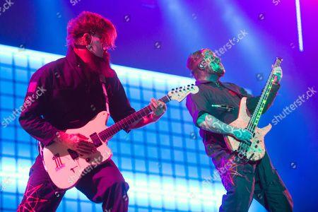 Slipknot - Jim Root, Mick Thomson
