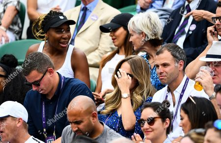 Venus Williams, Kim Sears with Judy Murray and Venus Williams behind in the players box on Court 2