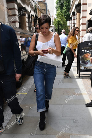 Lily Allen at Waterstone's, Piccadilly