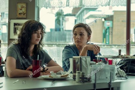 Ashleigh Cummings as Vic McQueen and Virginia Kull as Linda McQueen