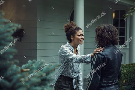Stock Photo of Paulina Singer as Willa Brewster and Ashleigh Cummings as Vic McQueen