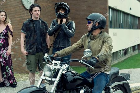 Ashleigh Cummings as Vic McQueen, Ebon Moss-Bachrach as Chris McQueen and Dalton Harrod as Craig Harrison