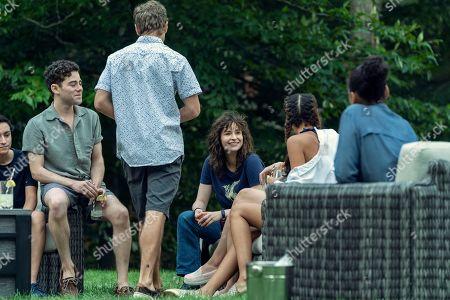 Misha Osherovich as Simon, Rarmian Newton as Drew, Ashleigh Cummings as Vic McQueen and Paulina Singer as Willa Brewster