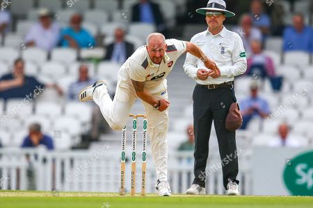 Darren Stevens of Kent bowling during the Specsavers County Champ Div 1 match between Surrey County Cricket Club and Kent County Cricket Club at the Kia Oval, Kennington