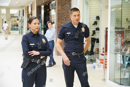 Melissa O'Neil as Lucy Chen and Eric Winter as Tim Bradford