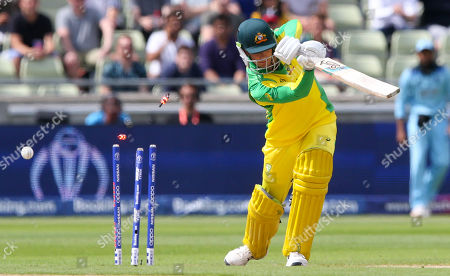Peter Handscomb bowled out by  Chris Woakes of England for 4 runs