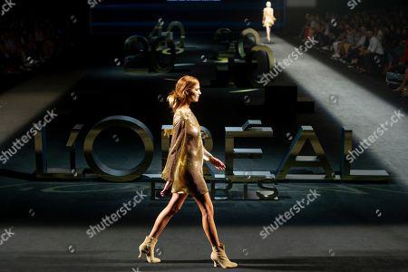 Laura Sanchez on the catwalk