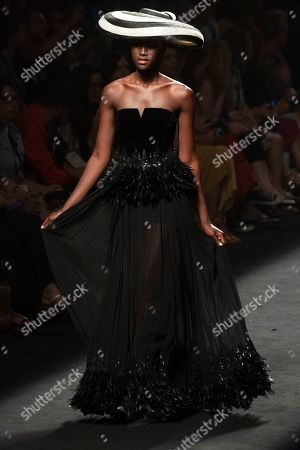 Aya Gueye on the catwalk