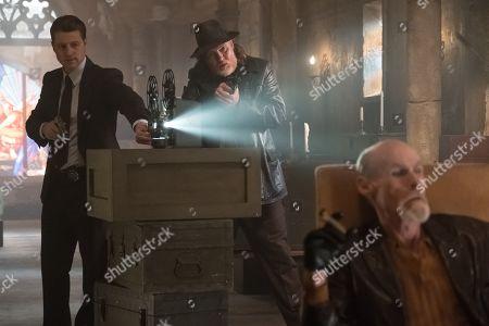 Benjamin McKenzie as James Gordon and Donal Logue as Harvey Bullock